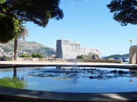 Blick auf Festung Lovrijenac vom Park aus