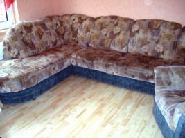Eck-Couchgarnitur mit Schlaffunktion und Sessel