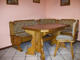 Eckbank mit 2 Stühlen und Tisch