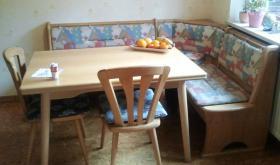 Eckbank Eiche hell, mit Tisch und 2 Stühlen, guter Zustand