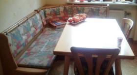 Foto 3 Eckbank Eiche hell, mit Tisch und 2 Stühlen, guter Zustand