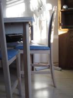 Foto 3 Eckbank mit Tisch und Stühle