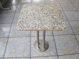 Foto 10 Eckbank mit Tisch und Stühle, Tische, Schränke, Doppelbett