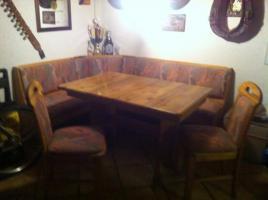 Eckbank, Tisch u. 2 Stühle