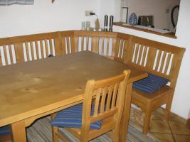 Eckbankgruppe mit Tisch und 3 Stühlen