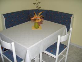 Ecksitzbank+Tisch+2 Stühle