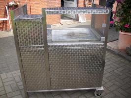 Foto 2 Edelstahl-Gasgrill Gas-Grill-Wagen mit Dach u.Waschgelegenheit