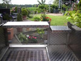 Foto 4 Edelstahl-Gasgrill Gas-Grill-Wagen mit Dach u.Waschgelegenheit