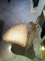 Foto 4 Edler Designerstuhl aus Acryl und Kunststoffbezug im Schuppenmuster