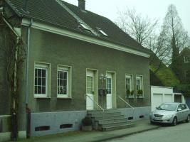 Haus Front Links3