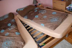 Foto 2 Ein Doppelbett (1,80x2m) +2 Matrazen + 2 Lattenroste