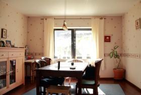 Foto 3 Ein Einfamilienhaus mit kleinem Garten