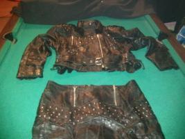 Foto 2 Ein Leder Kostüm