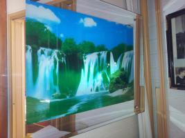 Ein elektrisches Wasserfallbild mit Wasserfallgeräusch