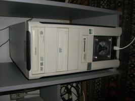 Foto 2 Ein kompletten PC mit tastatur, maus, flachmonitor!!