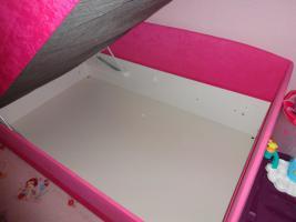 Foto 2 Ein wunderschönes Bett in Pink.