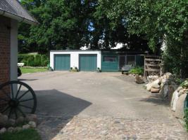 Foto 3 Ein-/Zwei-Familienhaus, 8,5 Zimmer, mit Doppelgarage und Scheune