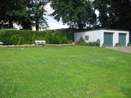 Foto 4 Ein-/Zwei-Familienhaus, 8,5 Zimmer, mit Doppelgarage und Scheune