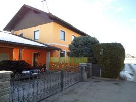 Ein - Zweifamilienhaus in Leibsdorf