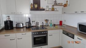Einbauküche 2 MONATE ALT (kaschmir und nuss-nougat)