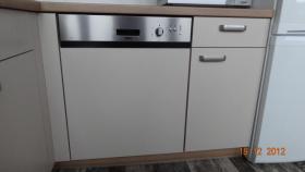 Foto 9 Einbauküche 2 MONATE ALT (kaschmir und nuss-nougat)