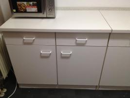 Foto 2 Einbauküche in Weiß zum Selsbtabbau zu verschenken