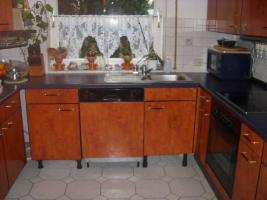 Einbauküche mit ceranfeld herd