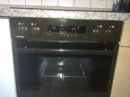 Foto 3 Einbauküche mit elektrischen Geräten