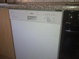 Foto 4 Einbauküche mit elektrischen Geräten