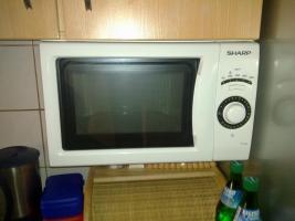 Foto 5 Einbauküche mit elektrischen Geräten