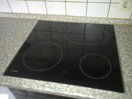 Foto 6 Einbauküche mit elektrischen Geräten