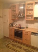 Foto 2 Einbauküche in gutem Zustand Hochglanz beieg