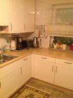 Foto 3 Einbauküche in gutem Zustand Hochglanz beieg