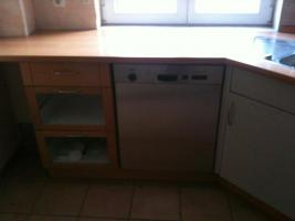 Foto 2 Einbauküche-modern und mit hochwertigen Geräten