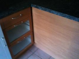 Foto 3 Einbauküche-modern und mit hochwertigen Geräten