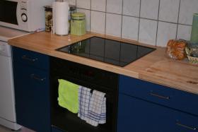 Einbauküche ( 2 Hänger, 3 Unterschränke usw ) inkl. Geräte