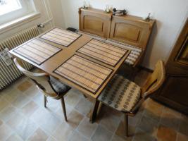 Foto 6 Einbauküche & Sitzgruppe mit Echtholzfront in guten und gepflegten Zustand