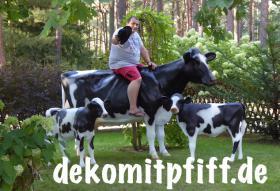 Eine Deko Kuh zum aufsitzen bis 100kg tragkraft und ein Deko Kalb zum aufsitzen bis 100kg Tragkraft ...