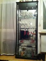 Eine Glasvitrine in Fürth 70 euro ! :)