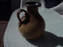 Foto 2 Eine Steingut Bodenvase mit Henkel abzugeben.