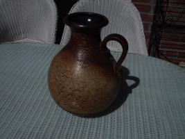 Foto 3 Eine Steingut Bodenvase mit Henkel abzugeben.