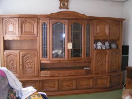 Foto 2 Einen Wohnzimmerschrank in Eiche Rustikal 3,45 lang.