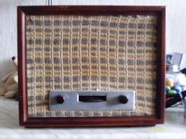 Einer der ersten Radio Empfänger Nora Radio GW 146