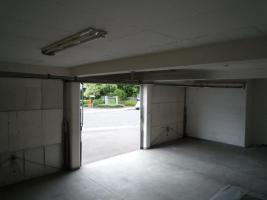 Garage,n