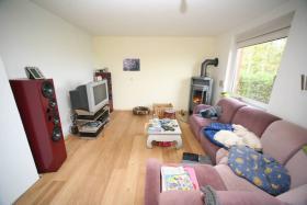Foto 2 Einfamilienhäuser Erwerbsart: zu verkaufen Grundstückgröße: ca. 4.800 m² Angaben zum Grundstück: ruhige ländliche Sackgassenlage  26529 Osteel Preis: 119.000 €