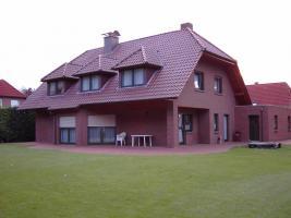 Foto 2 Einfamilienhaus mit Doppelgarage