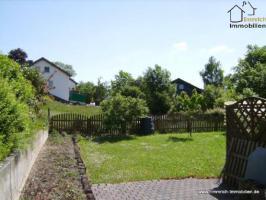 Foto 2 Einfamilienhaus im Grünen und dennoch nah zur Stadt