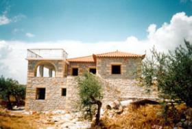 Einfamilienhaus aus Naturstein in der Mani/Griechenland