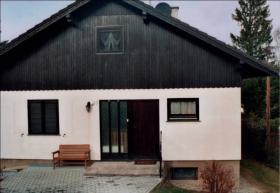 Einfamilienhaus mit großem Garten zu verkaufen!
