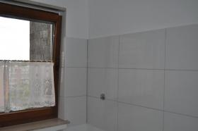 Foto 3 Einziehen und Wohlfühlen ... top-renovierte Wohnung mit Sonnenbalkon und Tiefgaragenstellplatz